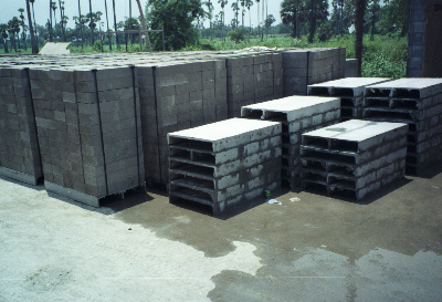 Foamed (cellular) concrete blocks and pallets