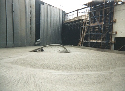 Foamed concrete was used to construct a lightweight bridge abutment on soft ground in Colchester, UK.