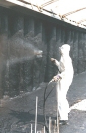 Application of EABASSOC Spraytec waterproof coating onto a slurry wall.
